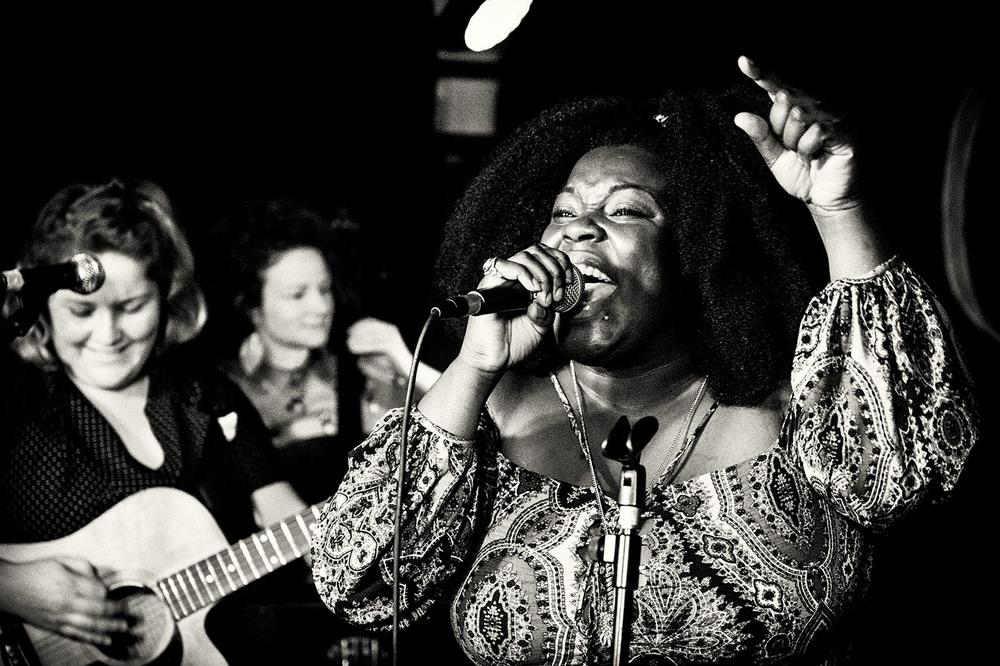 Yola Carter playing at the Thunderbolt in Bristol -May 2016