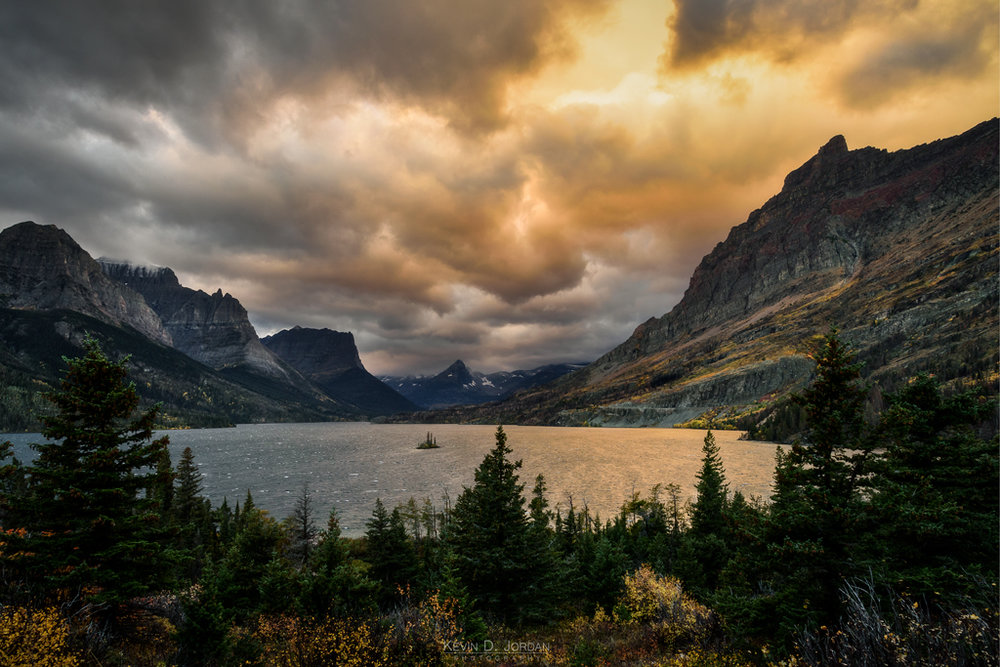 Sunrise over Wild Goose Island and Saint Mary Lake in Glacier National Park (© Kevin D. Jordan Photography)