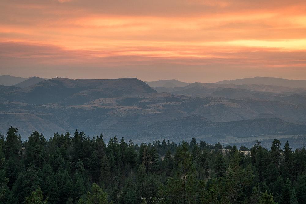 Sunset over the hills of Umatilla National Forest in eastern Oregon. (© Kevin D. Jordan Photography)