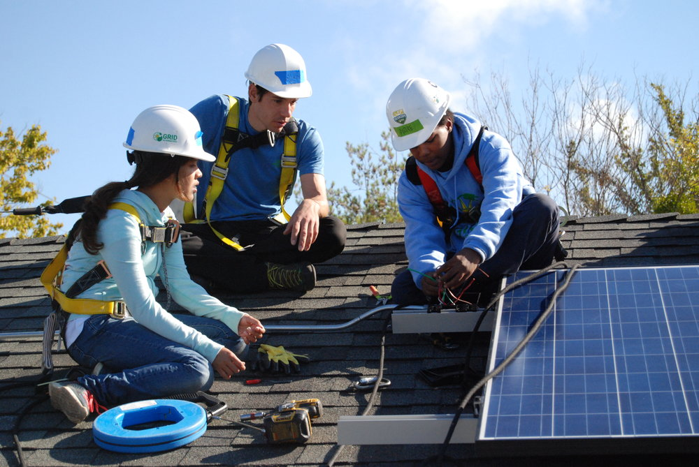 Founder Alex Honnold joins the GRID team on a solar install.