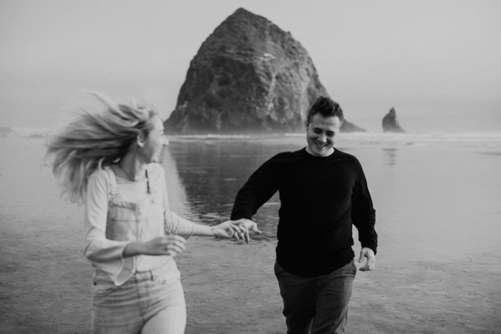cannonbeachoregoncouplessession5.jpg