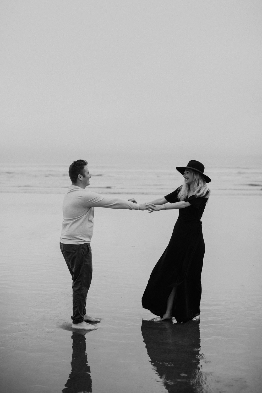 cannonbeachoregoncouplessession23.jpg