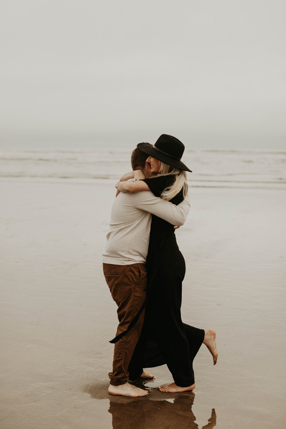 cannonbeachoregoncouplessession24.jpg