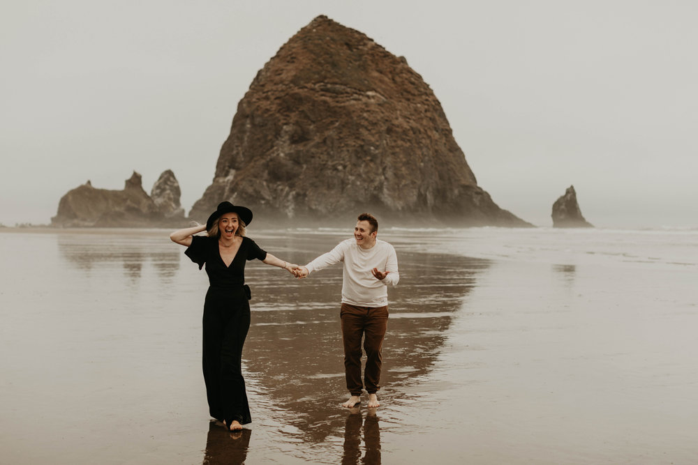 cannonbeachoregoncouplessession27.jpg
