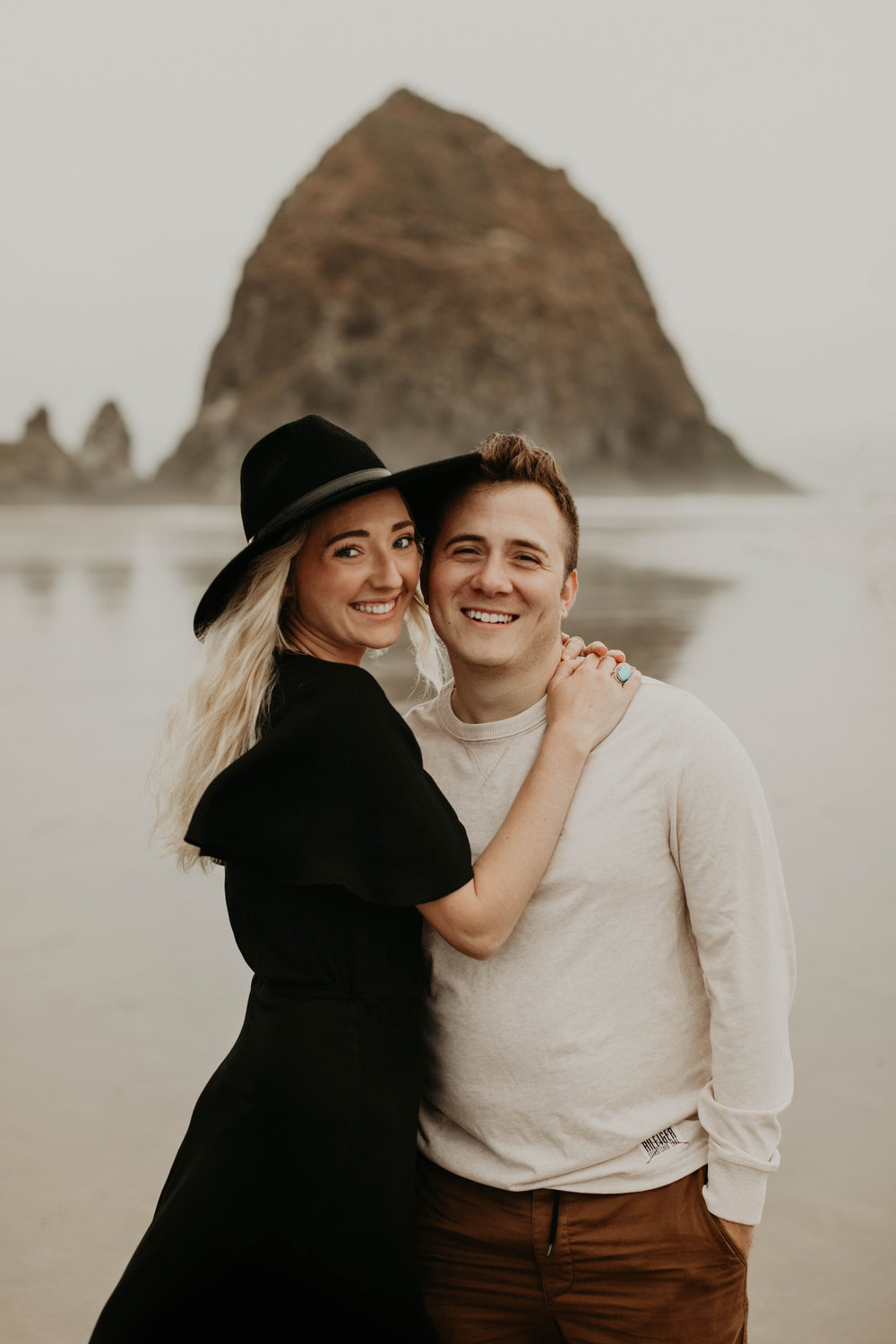 cannonbeachoregoncouplessession31.jpg