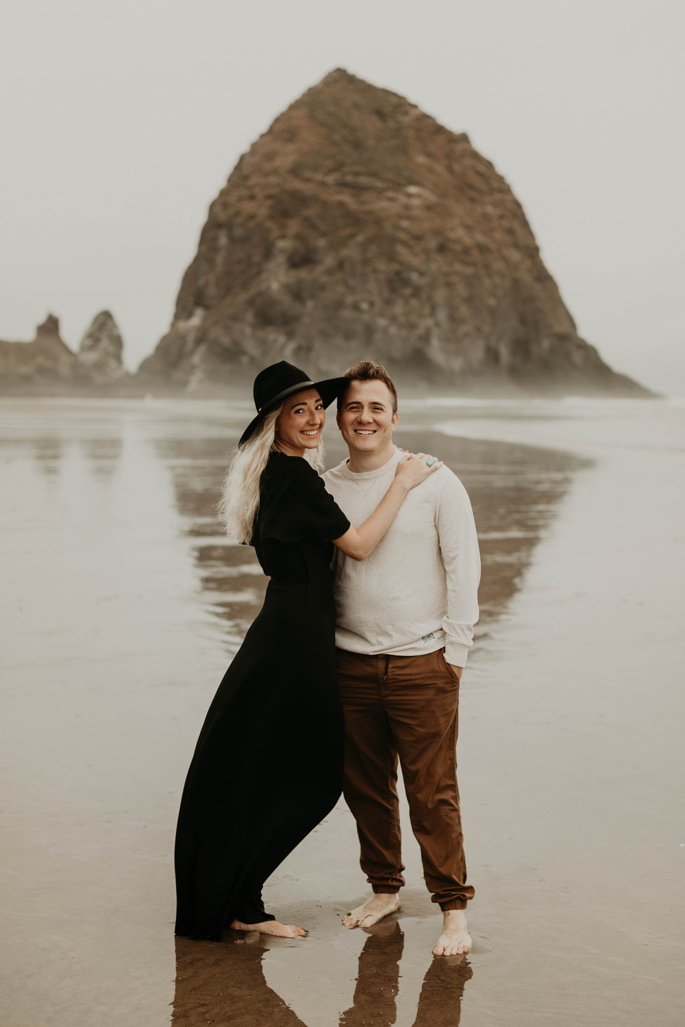 cannonbeachoregoncouplessession33.jpg