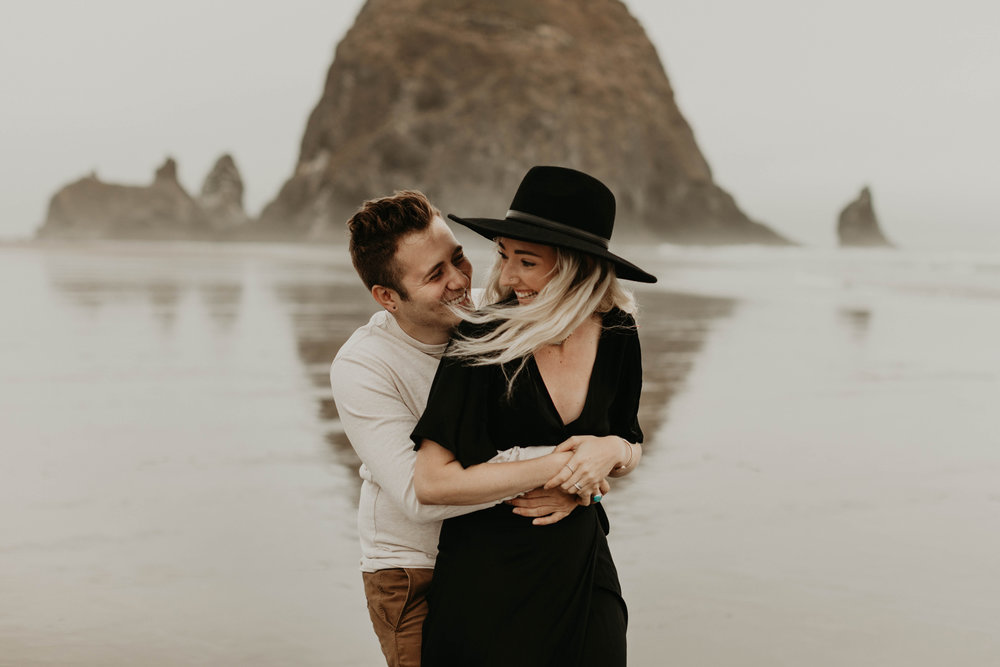 cannonbeachoregoncouplessession34.jpg