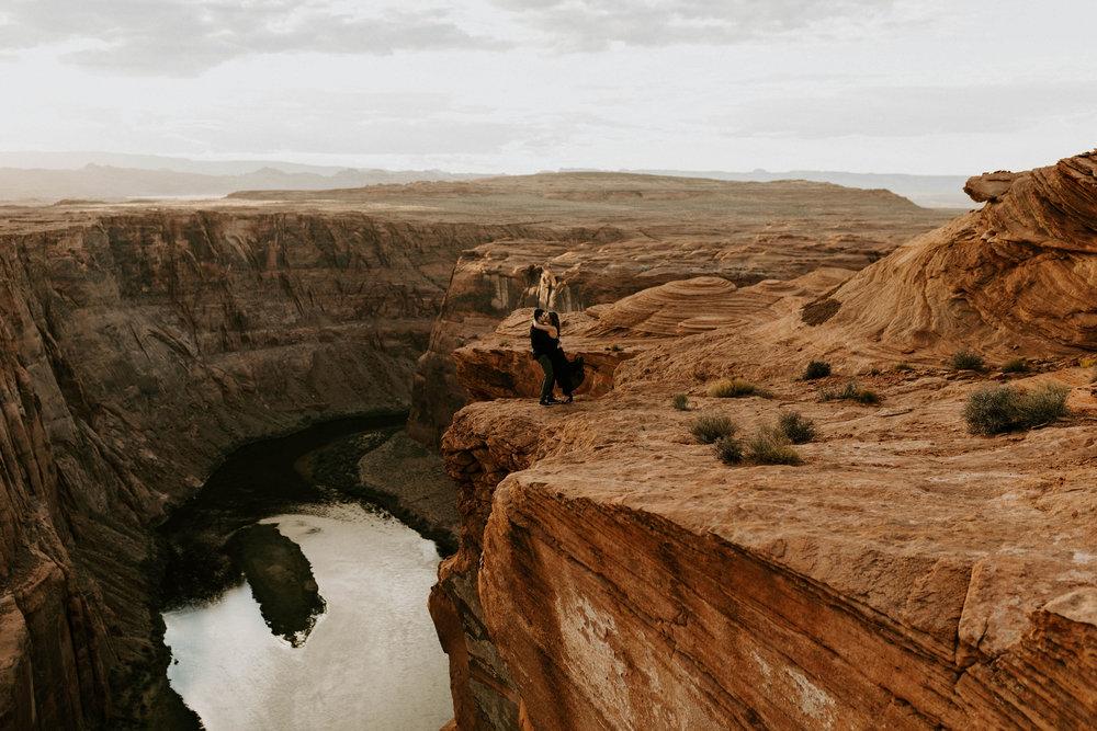 horseshoebendengagementsessionerikagreenephotography39.jpg