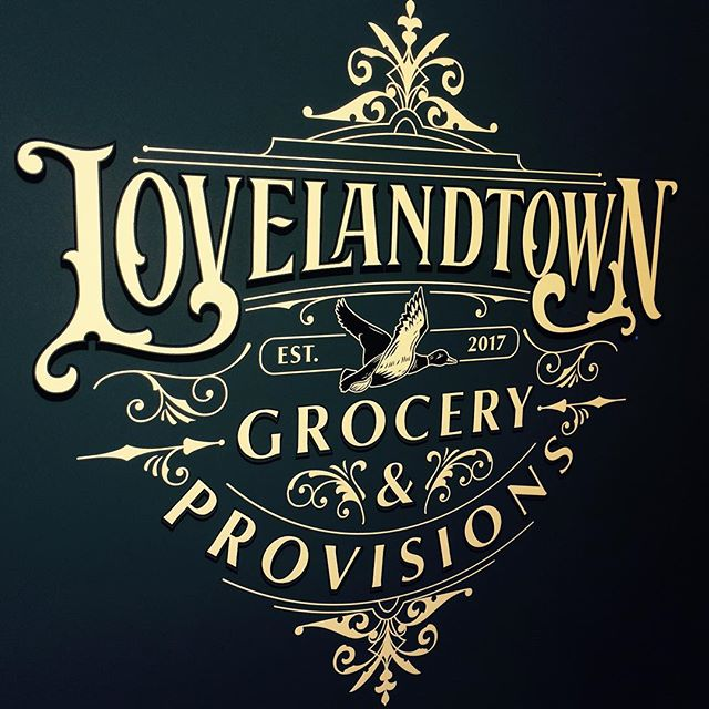 I really enjoyed working on some designs for the new gourmet grocery 'Lovelandtown' which will open in New Jersey soon! This one is for the shop window 🙂✨