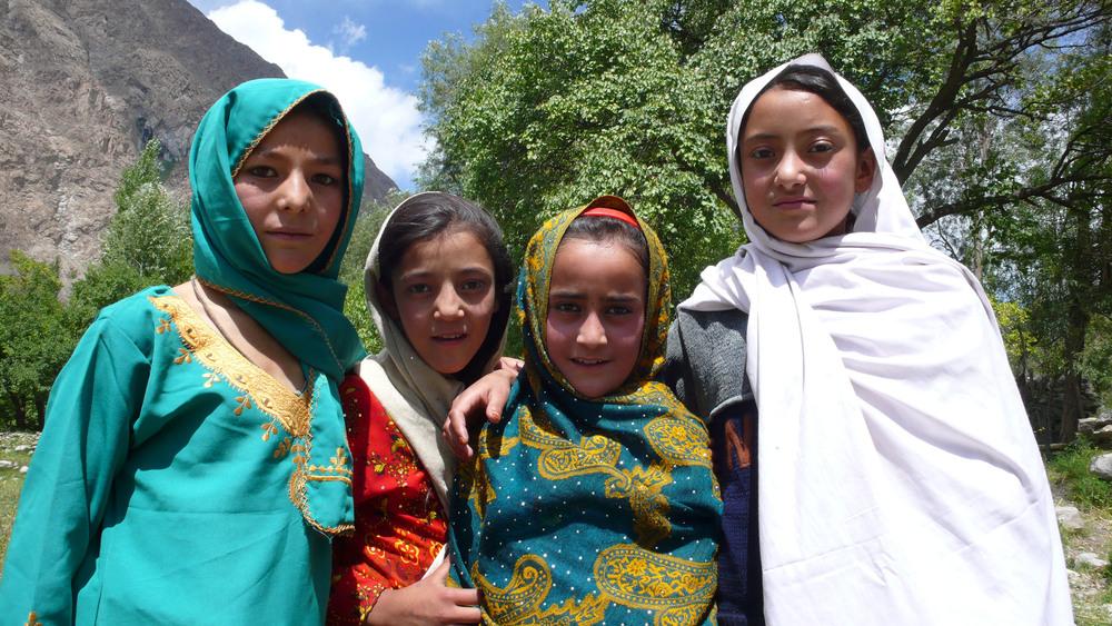 pakistan girls 2.jpg