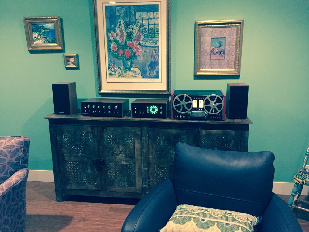 Peter B System:  Sansui AU666 integrated amplifier and Sansui TU666 tuner, Pioneer 707 (J-Corder modified), Spendor S3/5R2 speakers.