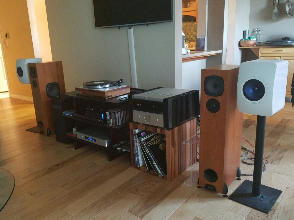 Delmas B System  LSA integrated (GHA custom LP box), GHA custom AR-XA/Ortofon Blue, Rega RS5 speakers, KEF LS50 speakers (GHA 24 stands)