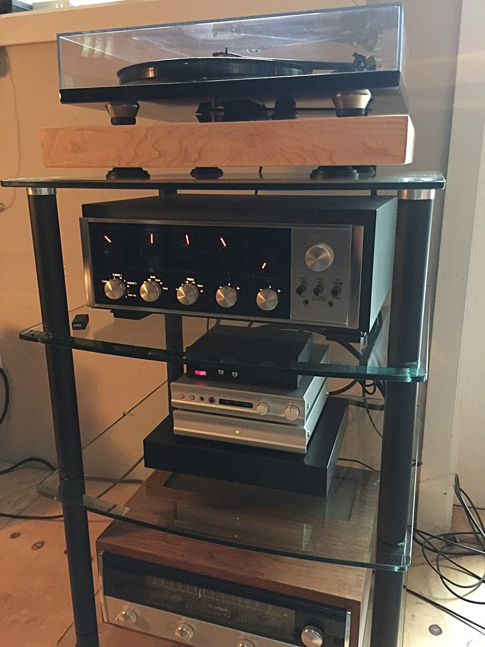 Bob A system:  McIntosh MR71/C20, Rega RP6/Elys cartridge, Parasound DAC/Phono, McIntosh MC30 monoblocks, 1976 Klipsche KHorns.