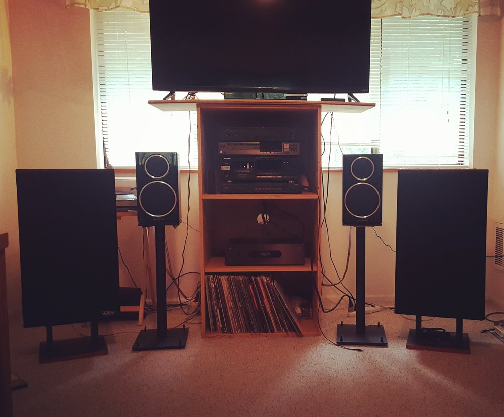 Jacob E System:   Acurus A200 amp, Hafler preamp, Speaker lab 4s, Wharfdale 22 on GHA stands.