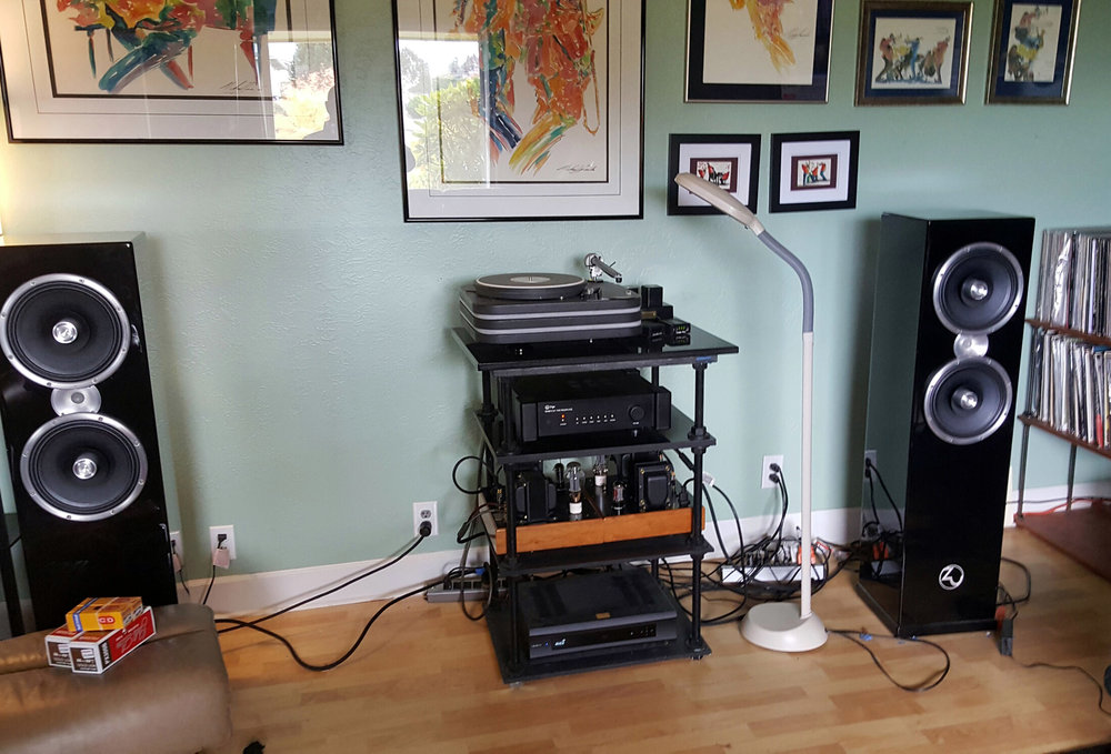 Joe J System; Lenco turntable/The Wand arm, AMG Teatro cart, Zu speakers.