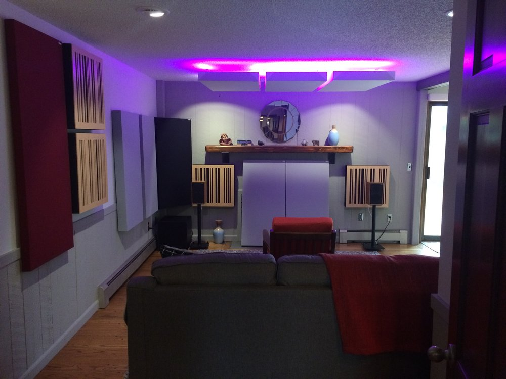 Sean C System:   PrimaLuna Dialogue HP, Chartwell LS3/5 speakers!!