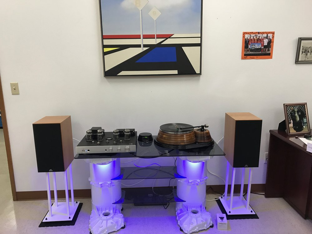Peter B Office System:  Rogue Audio Cronus Magnum, D. Gilespie Saturn turntable/AMG Teatro cartridge, Ryan 610 speakers on GHA stands.  The table is made of Tesla motors drive units.