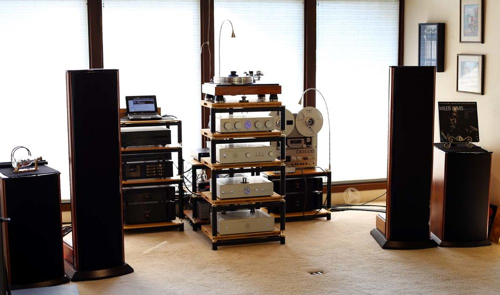 Martin WH System: Audio Artistry Beethoven Elite speakers, (2) Classe CA-100 amps, (2) Classe CA-150 amps, Audio Artistry Beethoven four way active crossover,  Modwright LS 36.5 DB preamp, Modwright PH-150 Phono stage, Modwright Elyse DAC, VPI Classic Signature TT, Yamaha CD-S2000 SACD player, Yamaha T-2 tuner, Nakamichi Dragon Cassette player, Sony TC-880-2 Reel to Reel and Richard Gray 1200C power supply.  WOW.