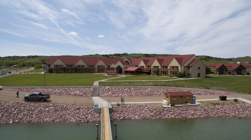 Cedar Shore Resort - on the banks of the Missouri River