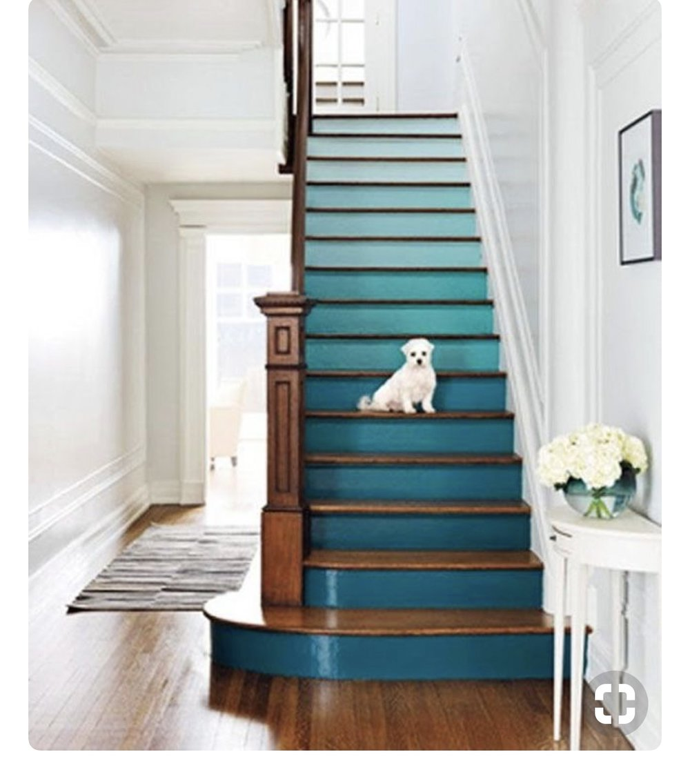 paint the stairs. Ombre Grey