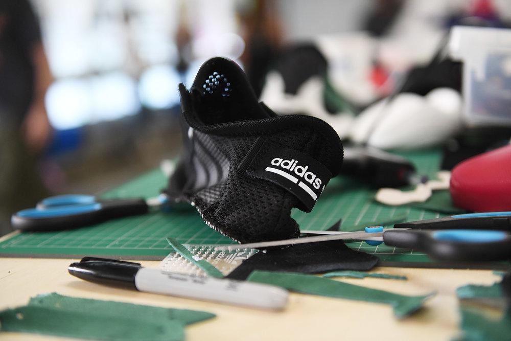 adidas - SELECTS SW0635.JPG