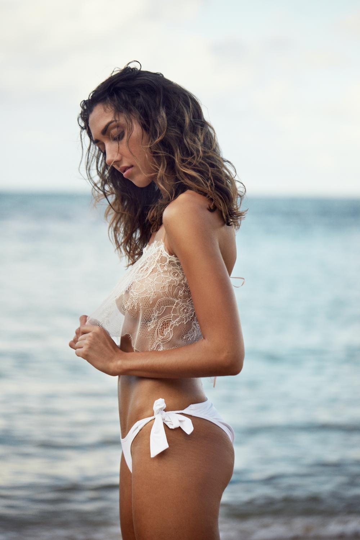 I Am Zazie Apres Beachwear White Aurora Chantilly Lace Crop Top