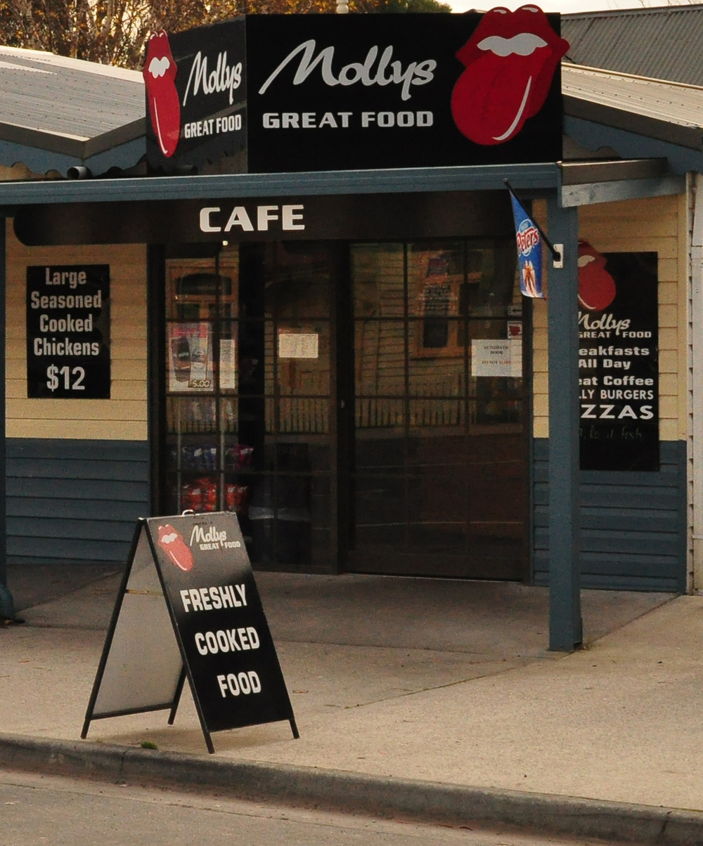Mollys Cafe.jpg