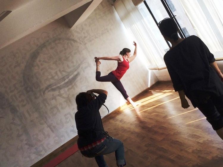 Annie Seymour yoga teacher Nepal