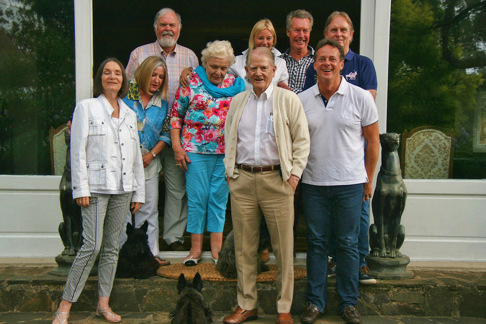 Faith Knowler, Dolly & Cliff Newton, Anne Veltman, Keith Knowler, Janet Richards, Richard Hamilton, Keith Russon & Ian Todd