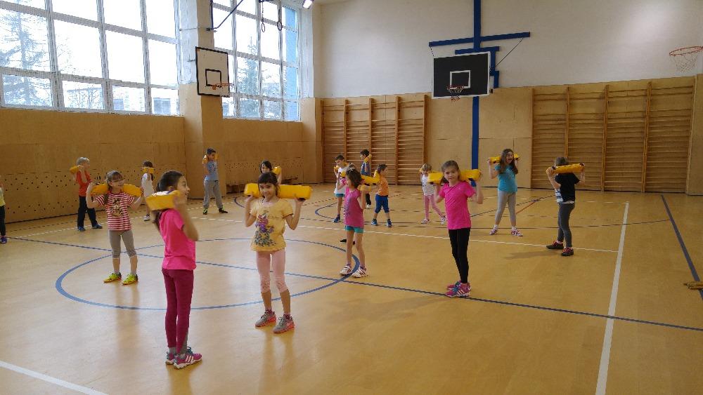 Rozcvička je základ - nejmenší školáčci a předškoláčci