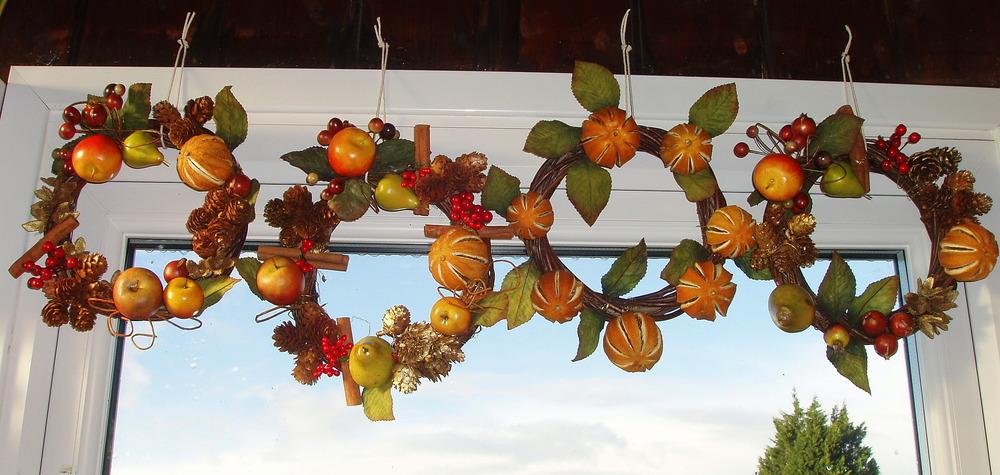 xmas wreaths.jpg