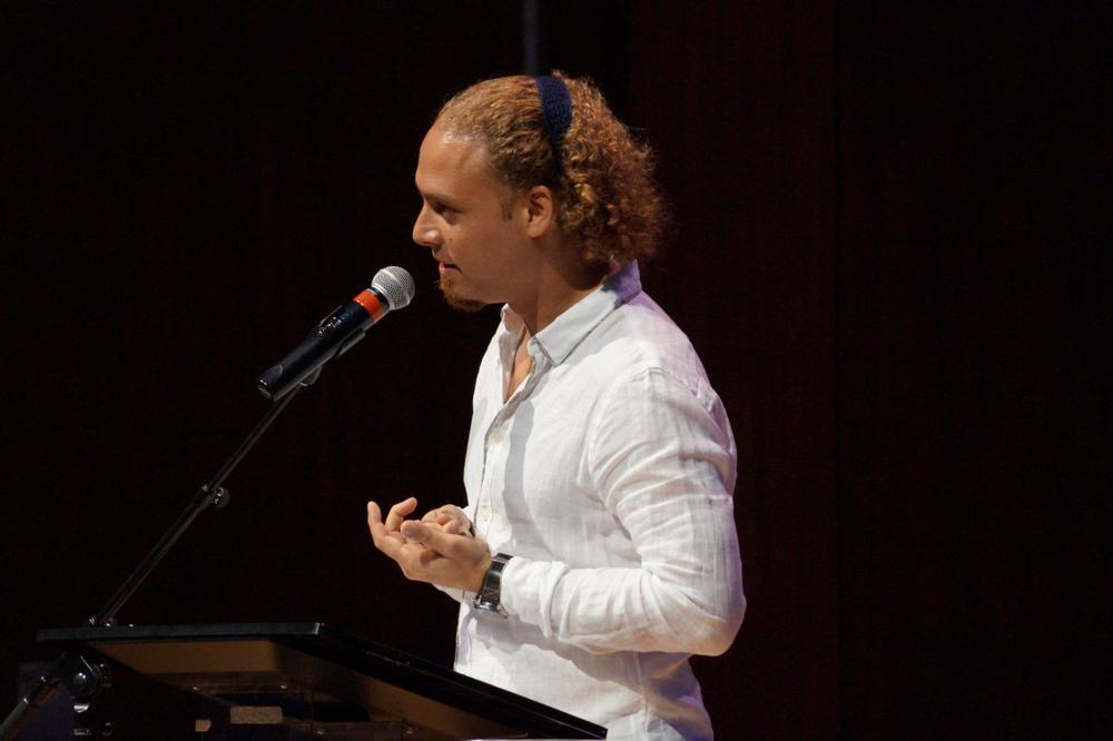 Hablando en En clave de poesía (Gala)