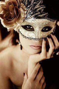 mascara2.jpg