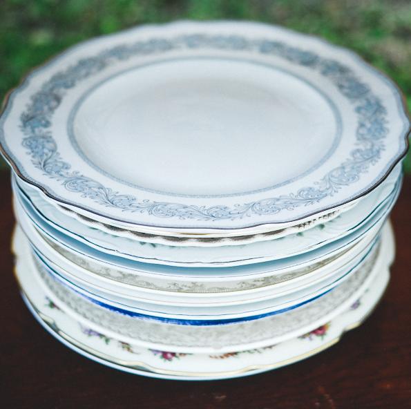 Dinner Plates & Dinner PlatesVintage Furniture - Farm Tables - Benches - Decor ...