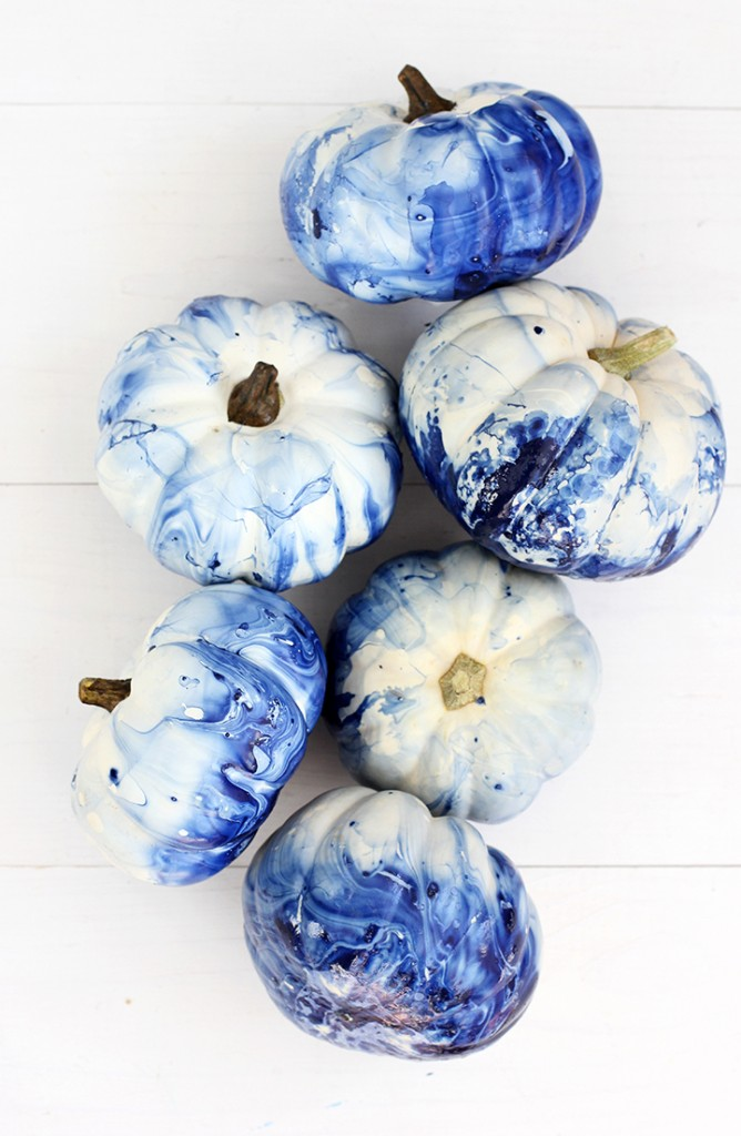 This tie-dye effect would be a fun craft for the kids. Photo:  Alice and Lois