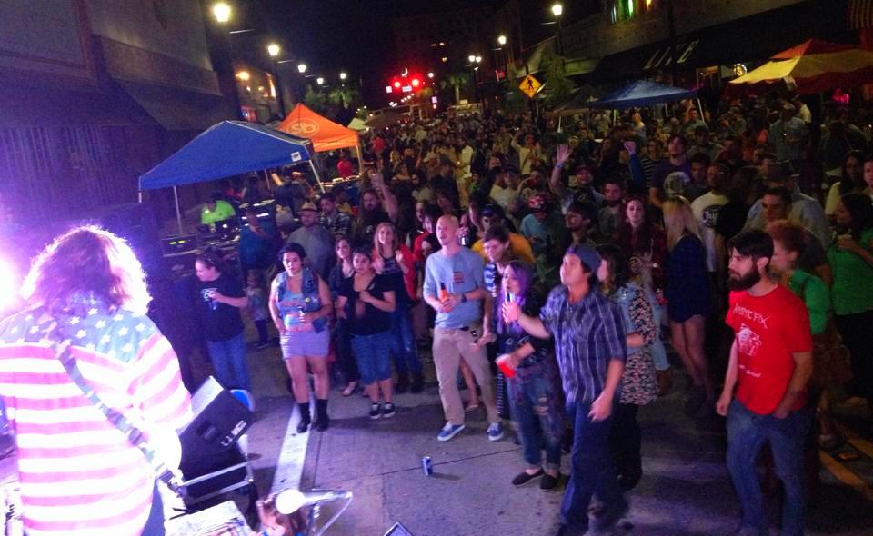 Rootbeer and Mermentau performing atChuck Fest 2014.
