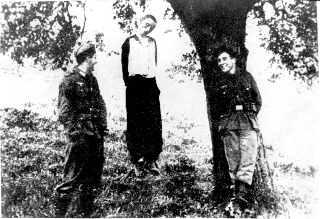 Photo from: http://collections.yadvashem.org