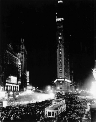 New Year's Eve in Times Square in 1938. World Wide Pictures.