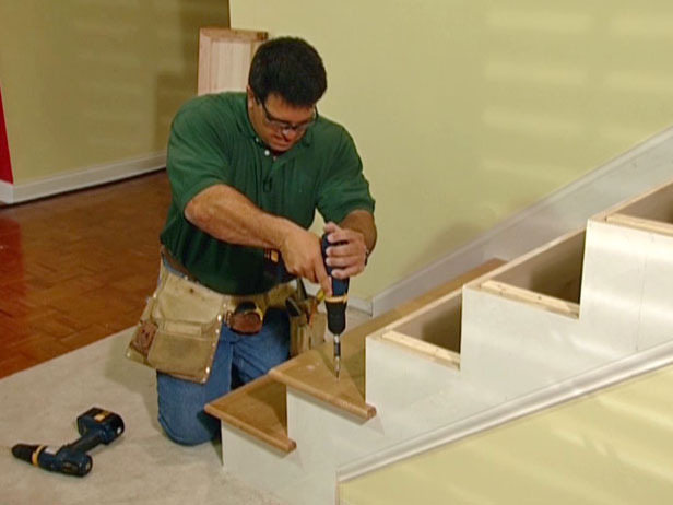 how to cut painted timber without chipping