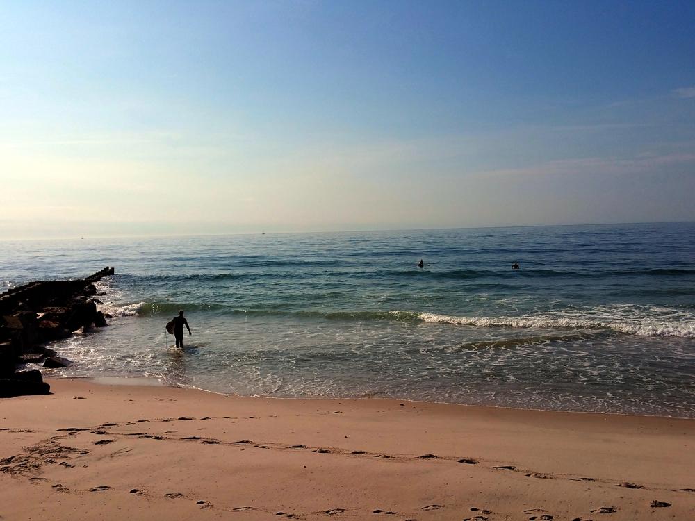 surfer1A.jpg