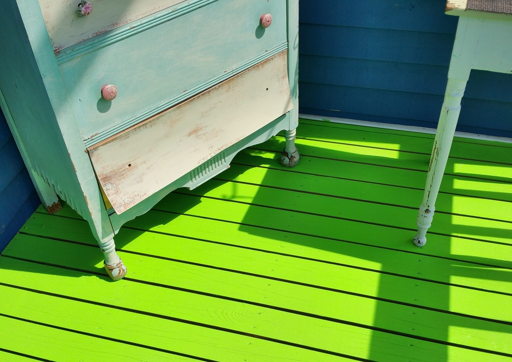 chest-and-green-floor.jpg