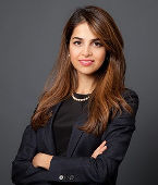 Yeganeh Pakdaman, Director, Project Finance, Private Fixed Income Sun Life Investment Management