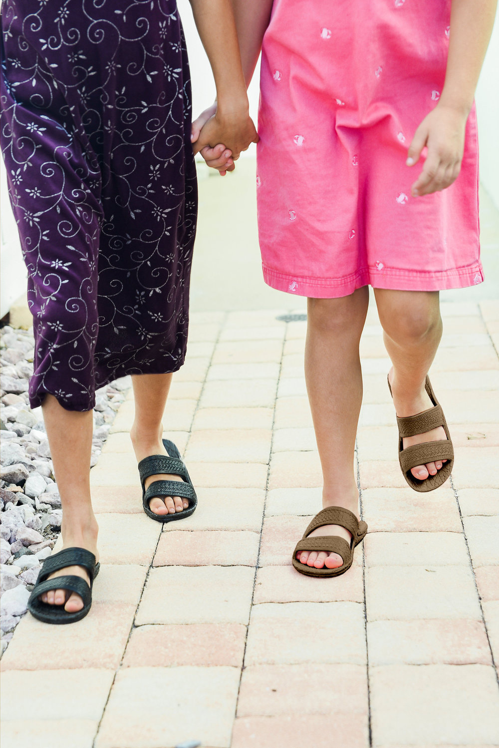 Pali Hawaii   Kids Jandal ®  in Black and Brown.