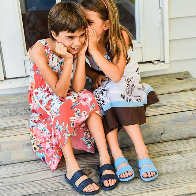 Kids love #Jandals in all colors! #palihawaii #palihawaiisandals #palihawaiijandals #jesusshoes #jesussandals