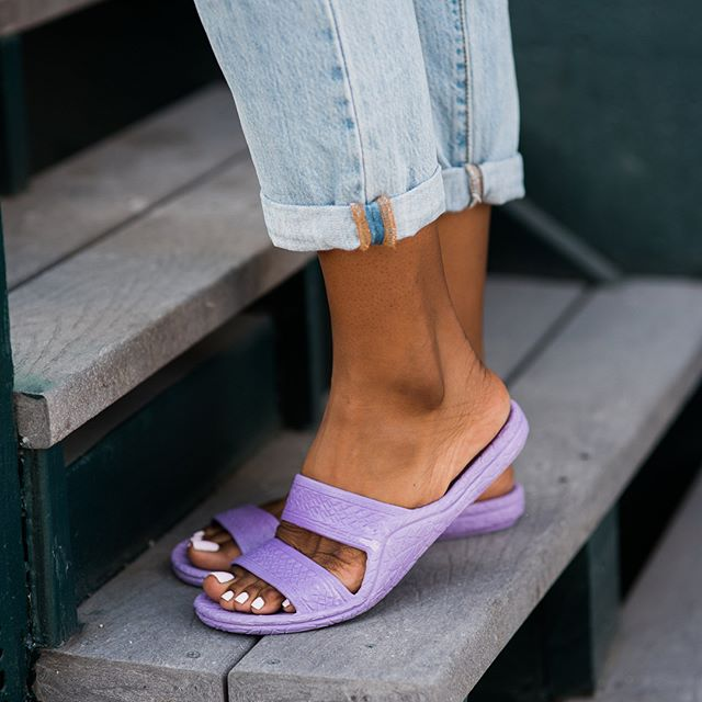 What color #jandals are you wearing this weekend?! Tag us!! #palihawaii #palihawaiijandals #palihawaiisandals #jesusshoes