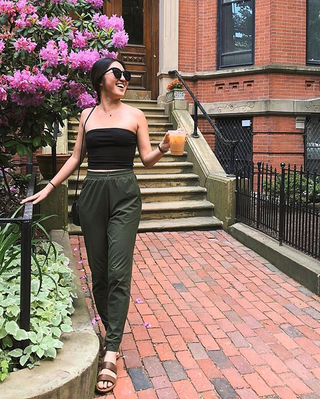 We know the majority of the country is bitterly cold...but think of warmer times ahead! Where do you plan to wear you #Jandals this summer? @thevibrantcollective showing off her Jandals in Boston this past summer!