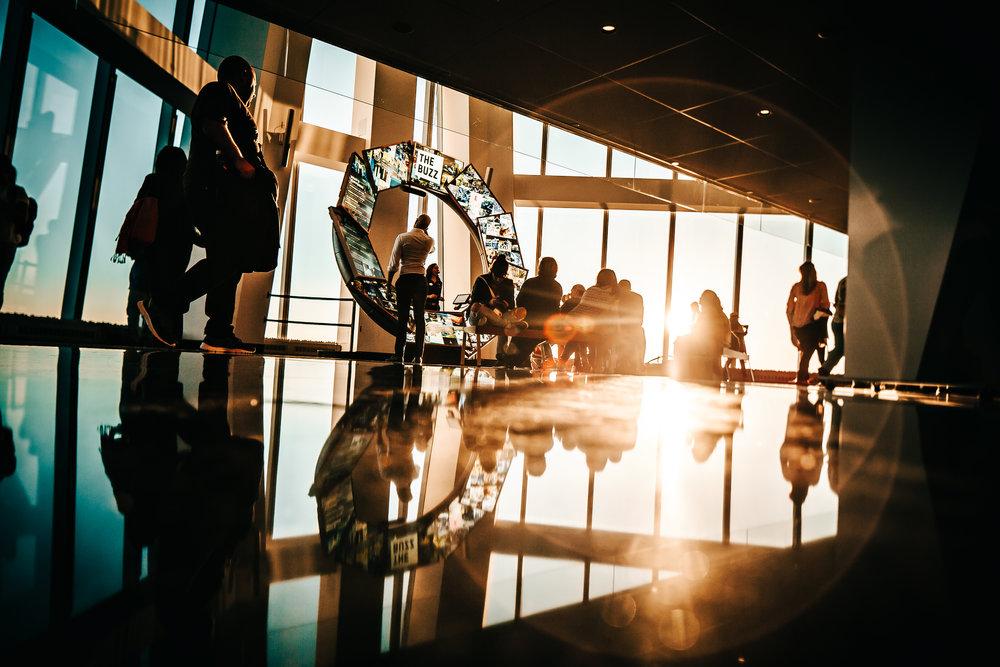 الخبرة - تم اكتساب الخبرة بالحصول على درجات علمية وشهادات وتطبيقات عملية في مجالات عدة مثل التسويق وتصميم وتطوير المواقع والتطبيقات الالكترونية وريادة الأعمال وتطوير وابتكار الأعمال بآخر ما توصلت إليه العلوم الحديثة والممارسات والمنهجيات والاستراتيجيات المتقدمة من عاصمة ريادة الأعمال والتطوير والابتكار في الولايات المتحدة الأمريكية. تم دمج هذه الخبرة مع خبرتنا في مشاريع مختلفة ومتنوعة مع عملائنا حول العالم. ومن هذا المنطلق رغبنا في المساهمة في تطوير السعودية ومستقبلها عن طريق بناء جسر تجاري ريادي وابتكاري بينها وبين سيليكون فالي وسيليكون بيتش في أمريكا عن طريق تقديم خدماتنا بالمنهجيات الأمريكية الحديثة وتدريب رواد الأعمال وأعمالهم وموظفيهم في سيليكون فالي.