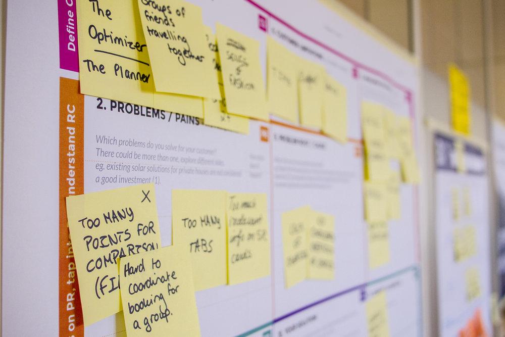 """تطوير الشركات الناشئة على منهجية """"Lean Startup"""" -"""