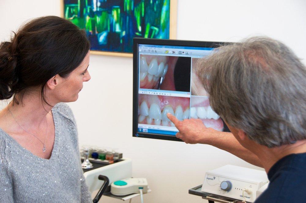 Zahnarztpraxis-Schoberer-Gruenwald-Aesthetik-1.jpg