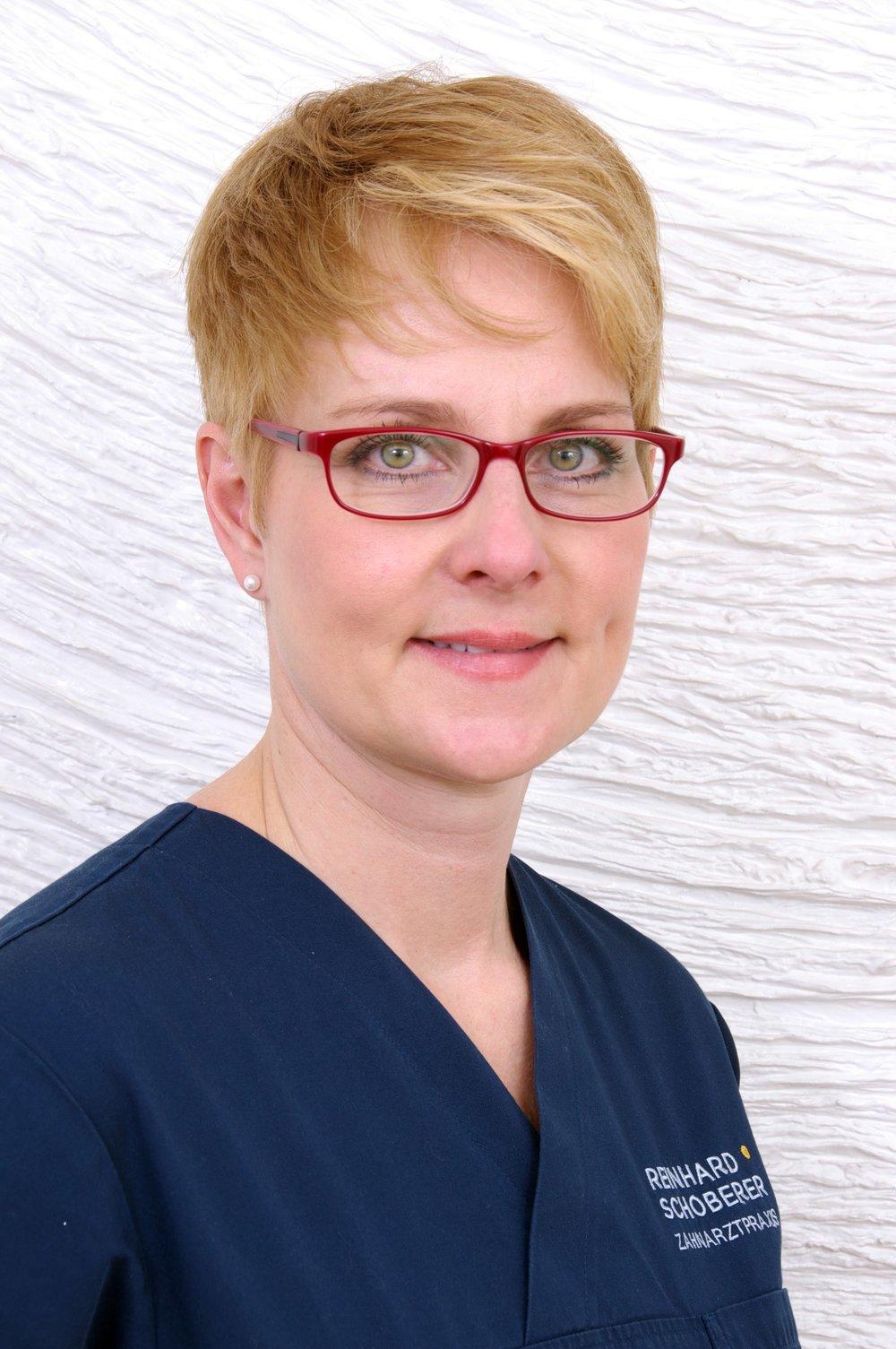 Zahnarztpraxis-Schoberer-Gruenwald-Team-Angelika-Zuleger-1.jpg